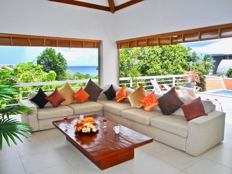 Private Pool Sea View Villa, aluguéis de temporada em Kata Beach