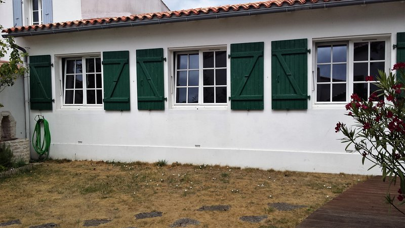 Facade of the 3 bedrooms