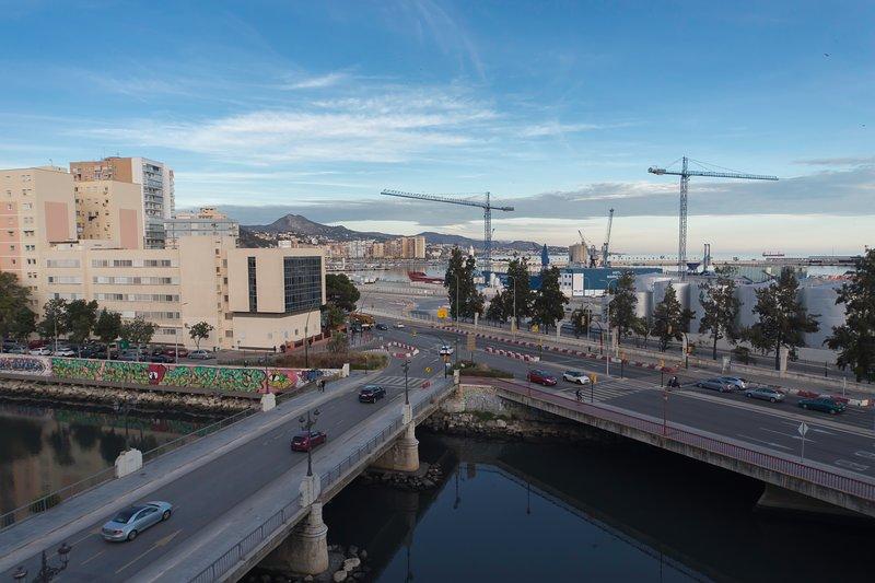 Tráquilo apartamentro céntrico con párking junto a mar, location de vacances à Malaga