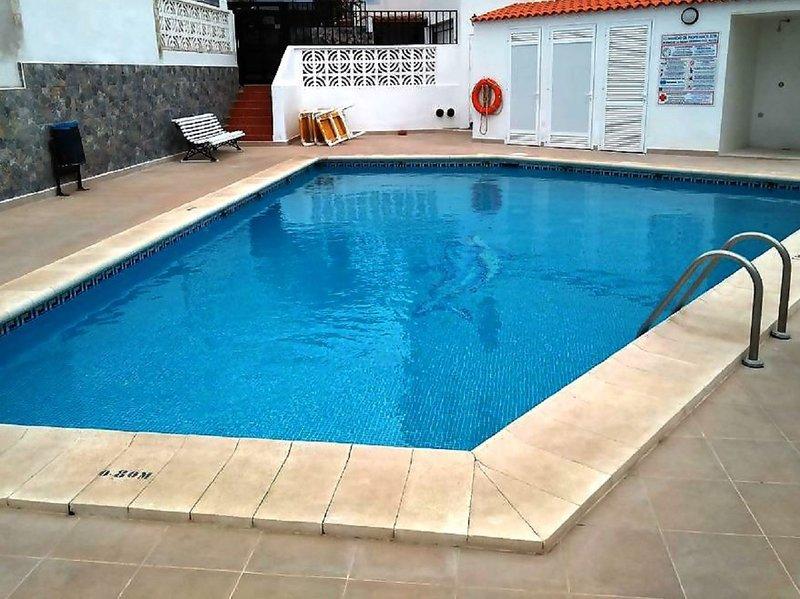Amplia Casa dos Terrazas, Piscina, alquiler de vacaciones en Alcalá