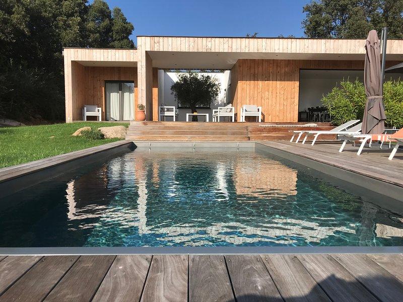 Villa d'architecte - Piscine privée et chauffée, Près des plages -, location de vacances à Lecci