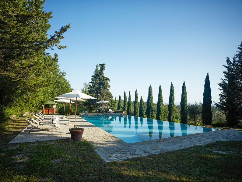 Fattoria Montecchio Villa Sleeps 14 with Pool and Air Con - 5674976, holiday rental in Isole