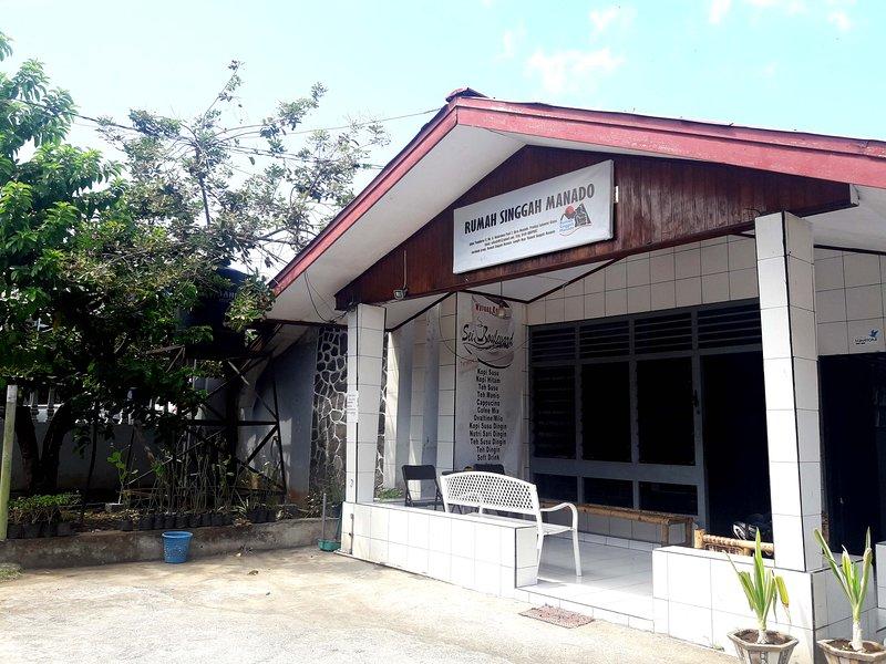 Hostel & Rumah Singgah Manado, vacation rental in Manado