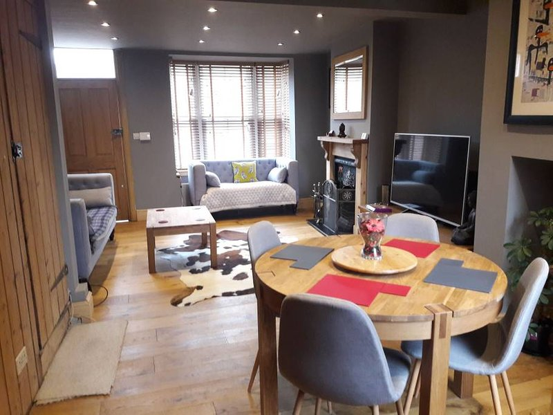 Simpson's Cottage - In the Heart of Stratford, location de vacances à Aston Cantlow