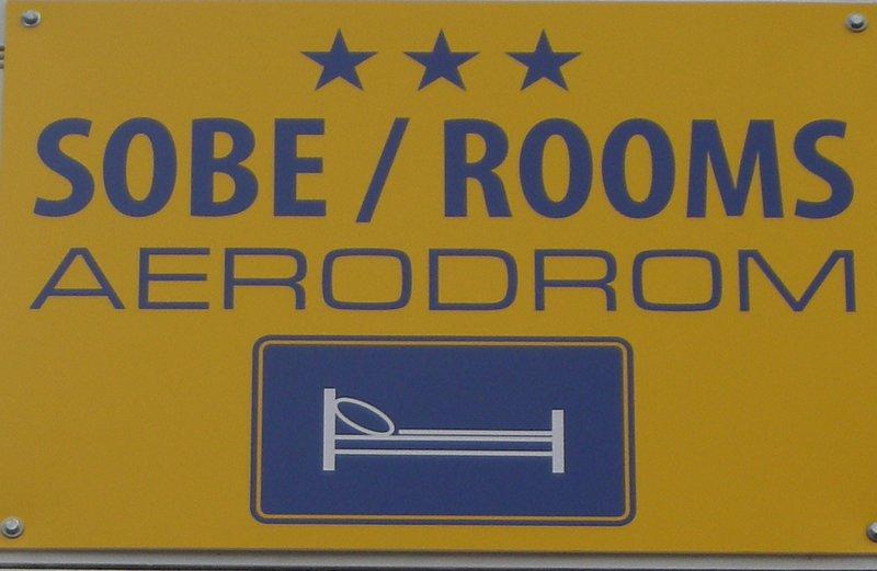 ***Sobe/Rooms Aerodrom~near Airport FranjoTudjman, vacation rental in Zagreb County