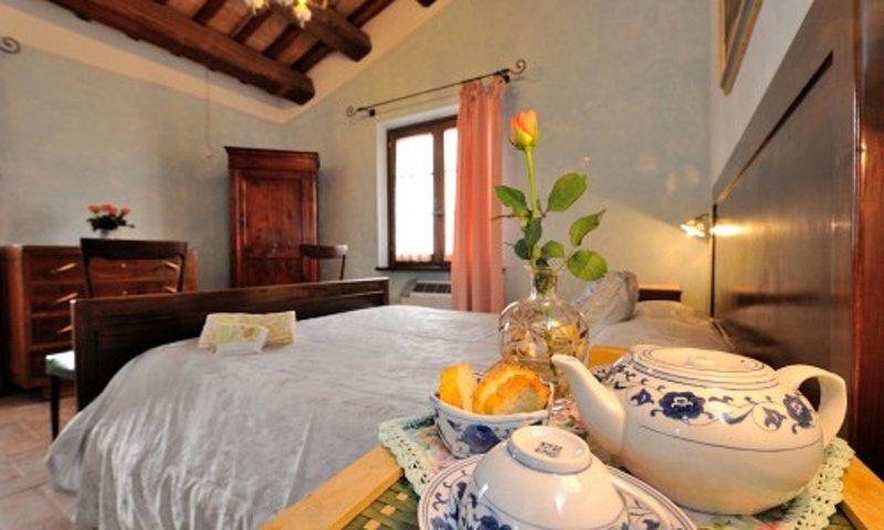Casale Rosso con piscina vicino a Spoleto, Ferienwohnung in Cascia