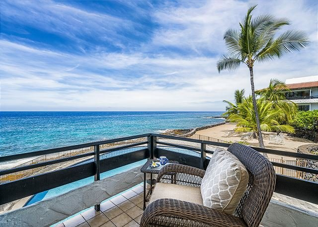 Casa De Emdeko 219 2 Bdrm DIRECT Ocean Front CORNER unit, Wrap around Lanai!, holiday rental in Island of Hawaii