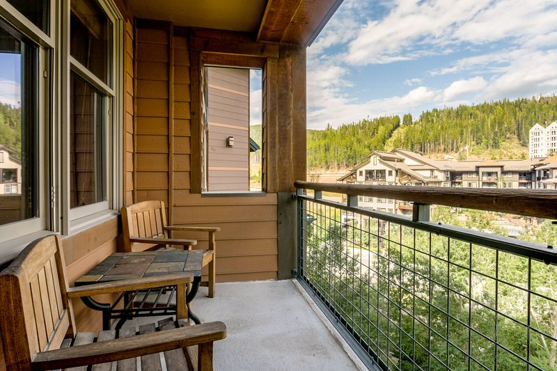 Private balcony to enjoy the scenery