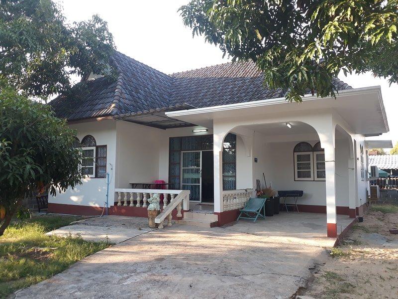 Mae Rampung Beach House N5, location de vacances à Ko Samet