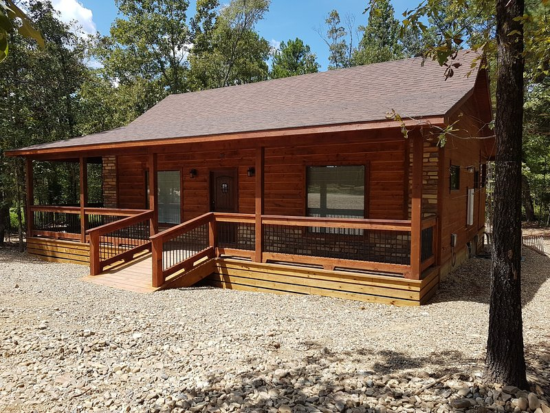 Grace's Place is a 1 Br/1 Bth cabin perfect a retreat or any occasion!