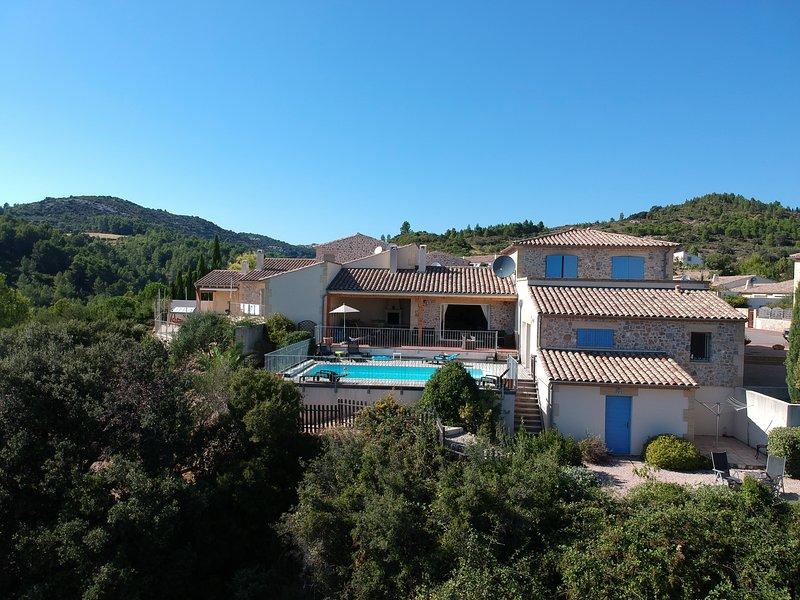 Villa Corbières, holiday rental in Fontjoncouse