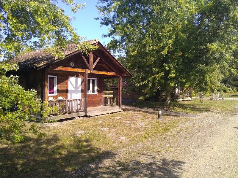 Camping familial chalet 1, casa vacanza a Levignacq