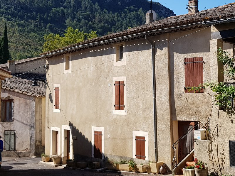 Maison Serres - A taste of traditional France, holiday rental in Bugarach