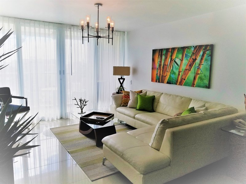 ESJ MARE PRIVATE,TWO BD.BATH.APT.ON THE BEACH,LUX!, vacation rental in Isla Verde