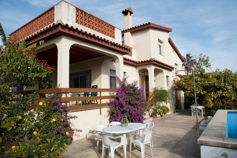 Villa boverals, ideal para familias., holiday rental in Vinaros