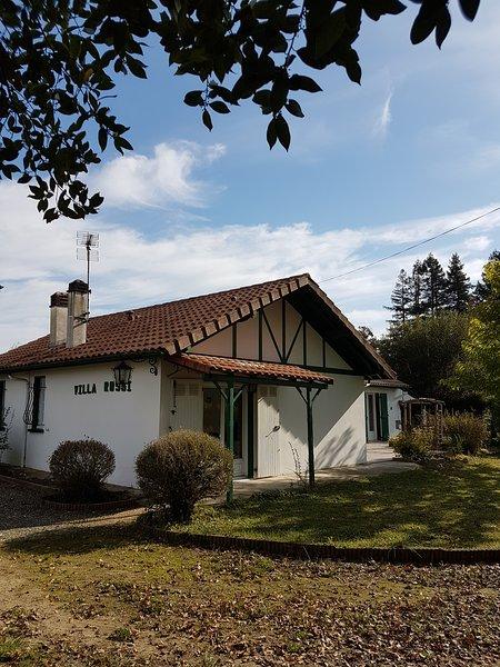 Villa Rossi with doors onto garden and patio