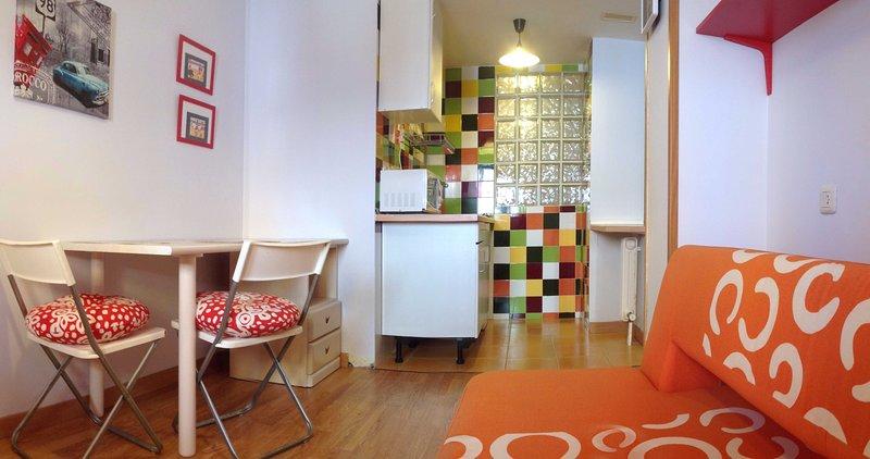 Salamanca Nice& Budget WIFI+BILLS INCLUDED, holiday rental in Encinas de Abajo
