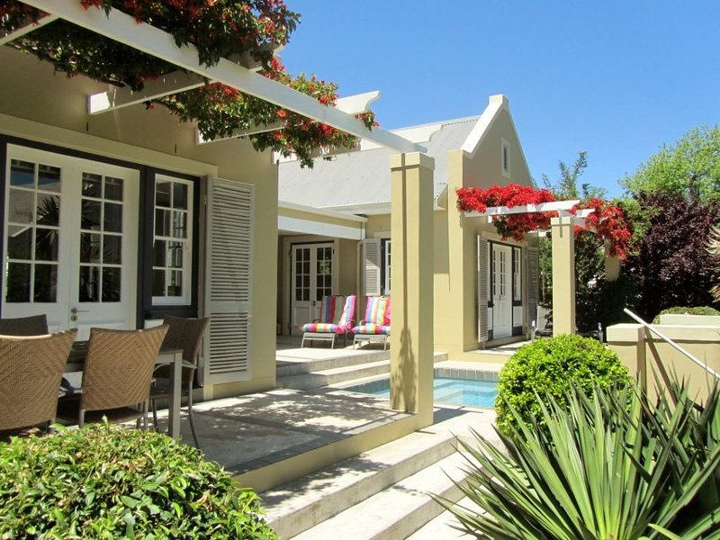 Mimosa - Luxurious, spacious and modern in the heart of beautiful Franschhoek, alquiler de vacaciones en Franschhoek