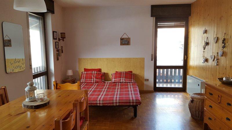 Condominio Cappuccini Apartment, vacation rental in Primiero San Martino di Castrozza