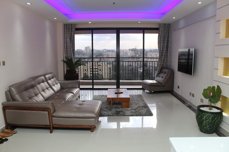 Crestpark Penthouse with Spectacular Views, holiday rental in Nairobi