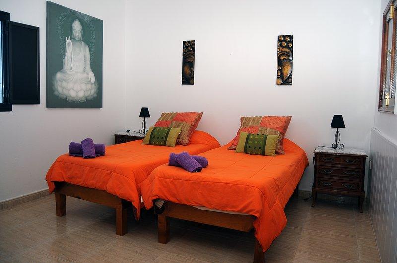 EL ALTILLO HOUSE- CASA COMPLETA, holiday rental in Banaderos