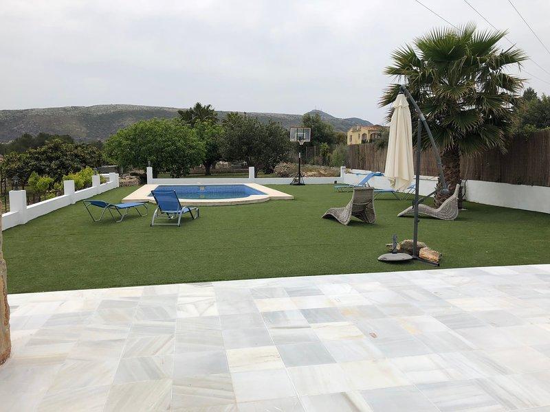 Amazing villa with swimming-pool, location de vacances à Benitachell