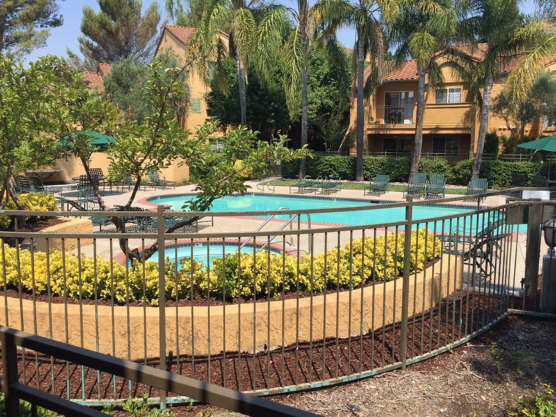 San Ramon-Gated community. Business Travel Ready, holiday rental in Pittsburg