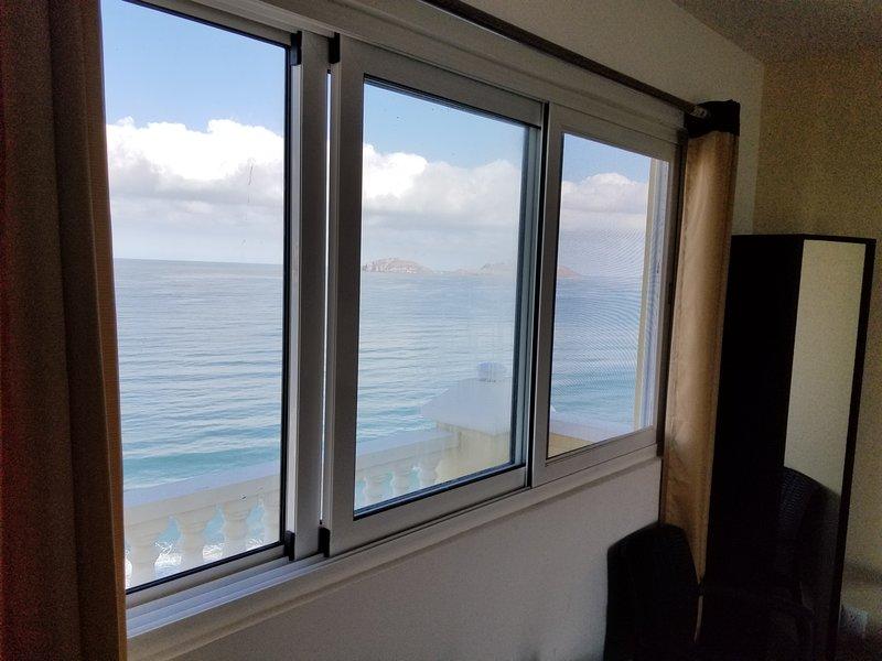 Roof Top 1001 Private Master Suite condominium with Panoramic views., vacation rental in Mazatlan
