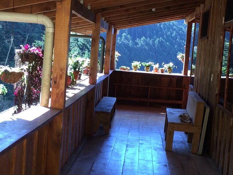 Santa Ana City Views - Breathtaking Full Chalet, location de vacances à San Jose Metro