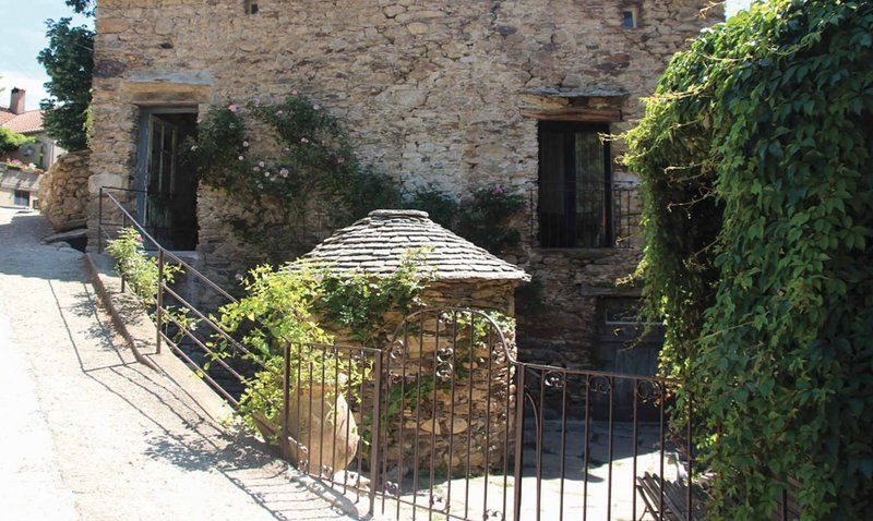 Superbe bergerie rénovée tout confort, holiday rental in Olargues