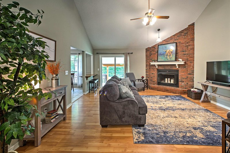 The house features 1,500 square feet of living space and sleeping for 7.