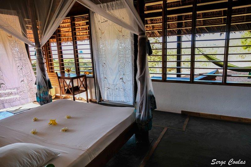 La Casa Flops, villa entièrement rénovée en 2018, vue sur mer à 180°, 6 PERS., location de vacances à Madagascar