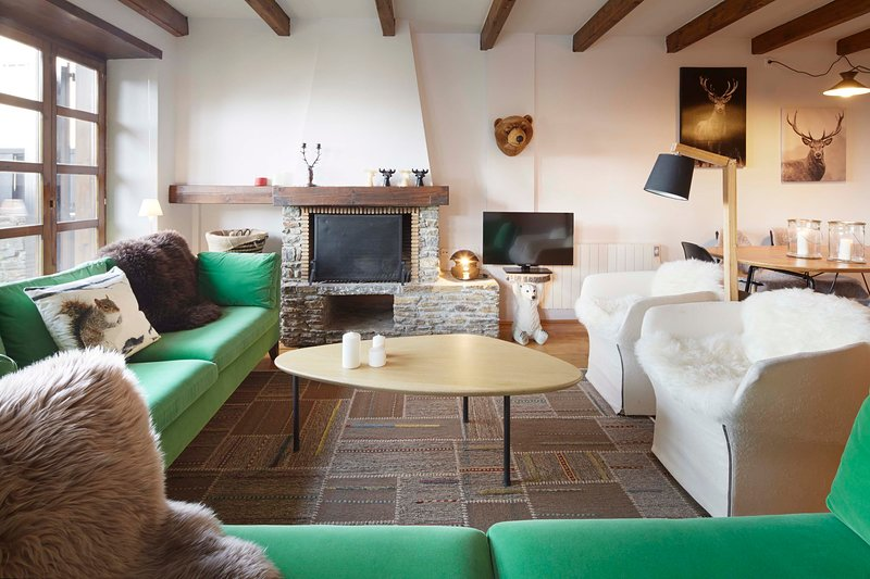 Nin de Beret 4 by FeelFree Rentals, holiday rental in Unha