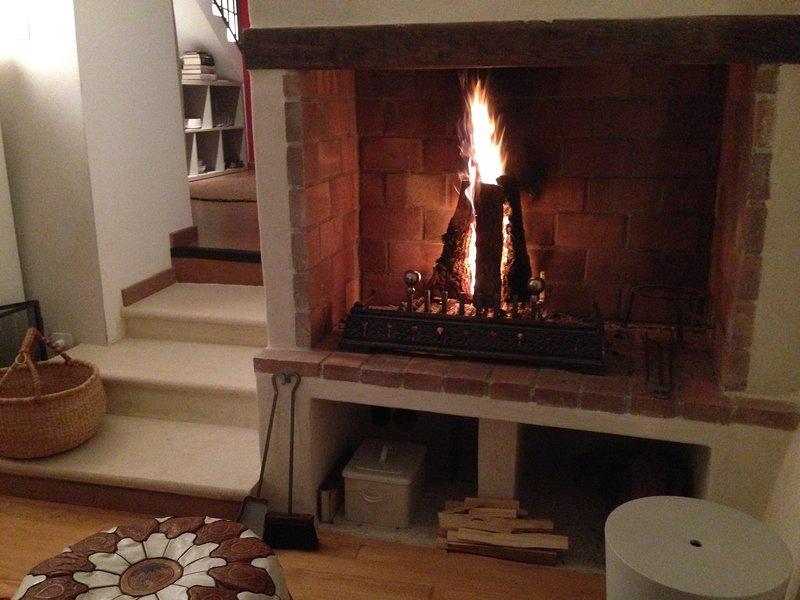 La casa è accogliente in autunno e inverno con il camino e riscaldamento centralizzato