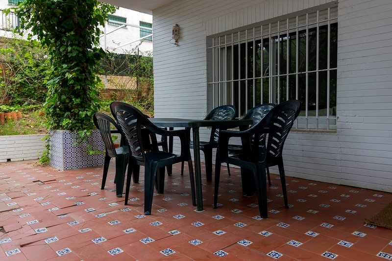 Big house with sea view & terrace, holiday rental in Palos de la Frontera