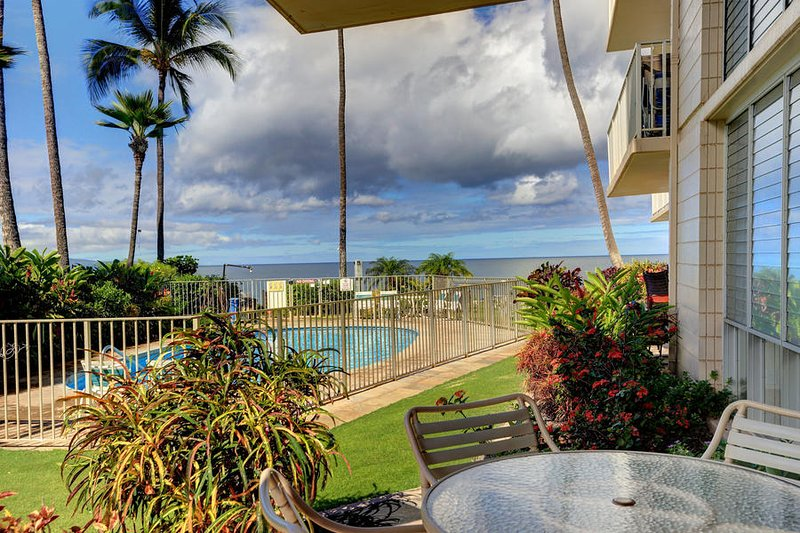 Ground Floor Oceanfront Condo - Kamaole Nalu #104, vacation rental in Kihei