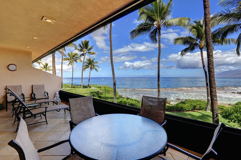 Stunning Beach Front Condo Makena Surf Resort # E-204, aluguéis de temporada em Makena