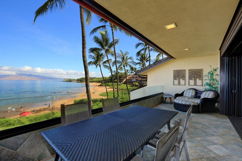 Gorgeous Beach Front Condo MAKENA SURF RESORT, #E-202, aluguéis de temporada em Makena