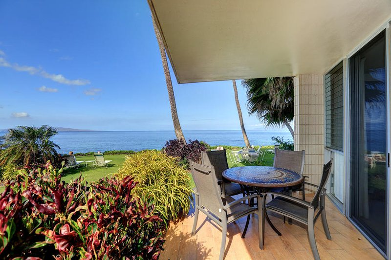 Steps to the Beach - Oceanfront Views- Kamaole Nalu #106, vacation rental in Kihei