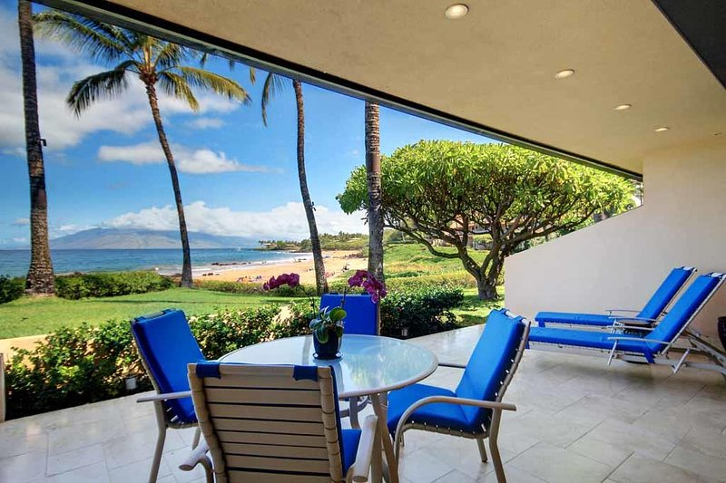 Oceanfront Living 2 Bed 2 Bath Condo- MAKENA SURF RESORT, #E-104, aluguéis de temporada em Makena