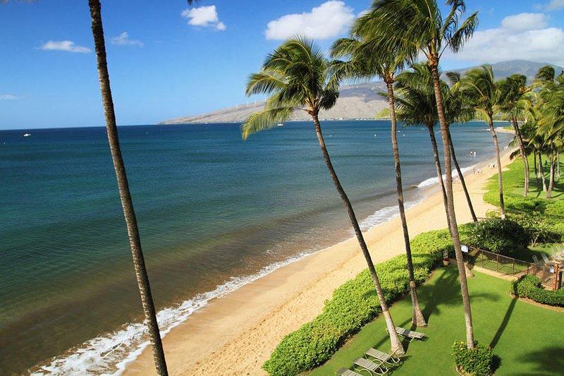 Gorgeous Remodeled Beach Front Condo! -  Kihei Beach #506, alquiler de vacaciones en Kihei