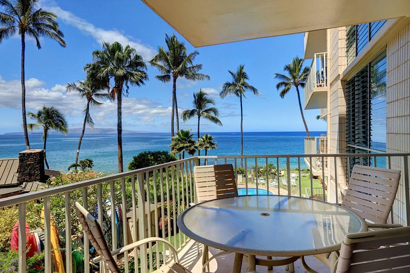 Lovel Remodeled 2 BDRM Condo -  Kamaole Nalu #303, vacation rental in Kihei