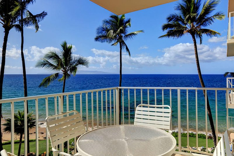 Prime Location with Amazing Views!!  - Kamaole Nalu #405, vacation rental in Kihei