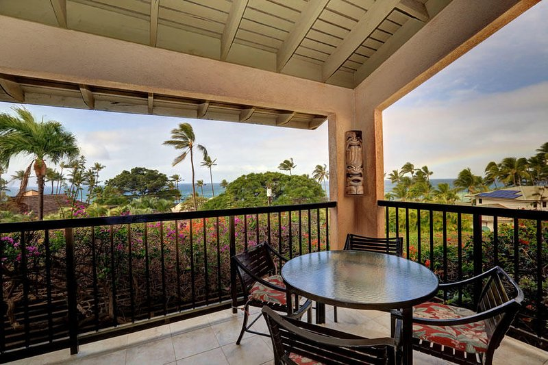 Stunningly Remodeled Ocean View Unit  -Wailea Ekahi #22D, holiday rental in Wailea