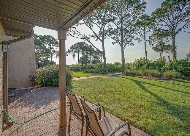 Ocean Views! 43 Ocean Club Villa. Pool, Free Bikes, WiFi, Oceanfront!, vacation rental in Hilton Head