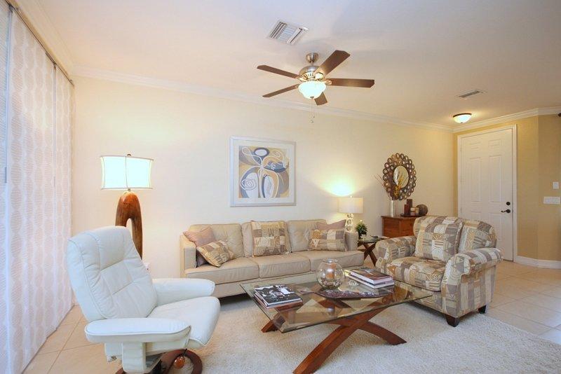 3 bedroom plus den for seasonal rental, holiday rental in Estero