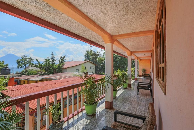 Posada Baladeva (Twin Room 1), aluguéis de temporada em Chichicastenango