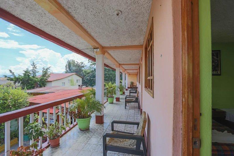 Posada Baladeva (Twin Room 4), aluguéis de temporada em Chichicastenango
