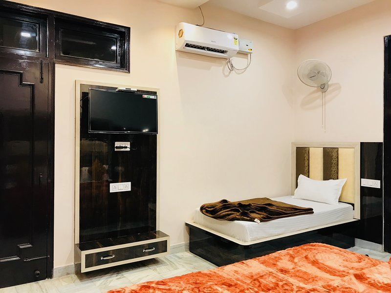 Sant Home Stay (Room 105), holiday rental in Punjab