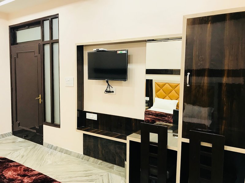 Sant Home Stay (Room 103), holiday rental in Amritsar